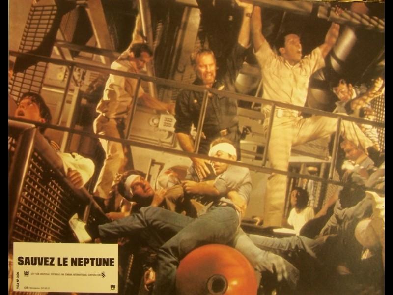Photo du film SAUVEZ LE NEPTUNE - GRAY LADY DOWN
