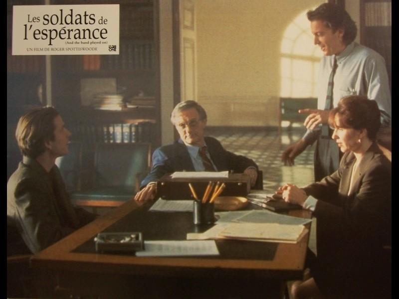 Photo du film SOLDATS DE L'ESPERANCE (LES) - AND THE BAND PLAYED ON