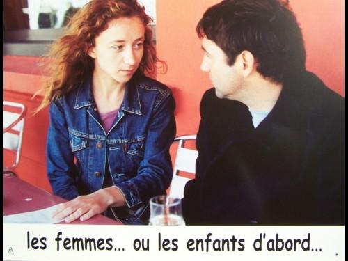 LES FEMMES OU LES ENFANTS D'ABORD -LOT PHOTOS -