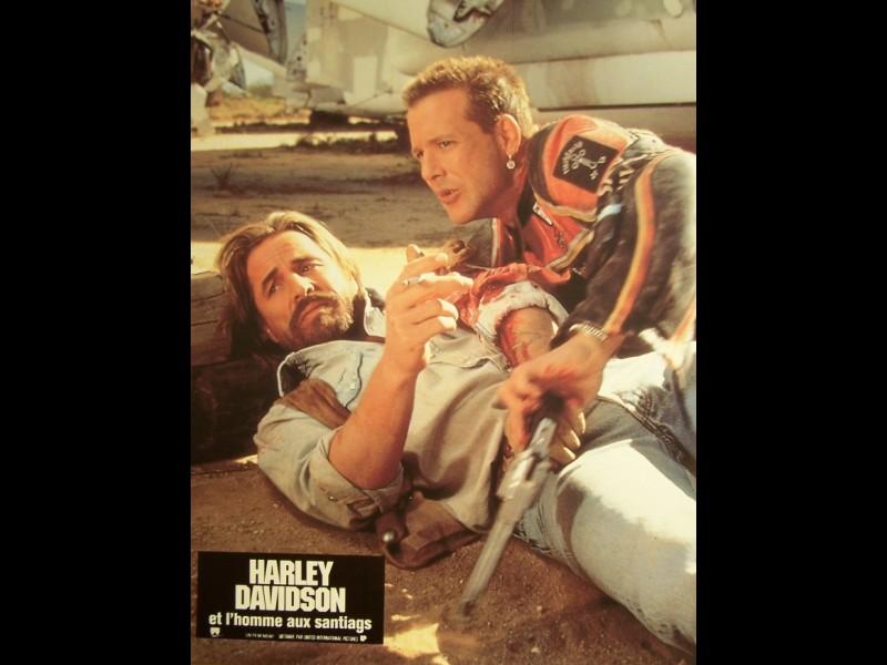 Photo du film HARLEY DAVIDSON ET L'HOMME AUX SANTIAGS - Titre original : HARLEY DAVIDSON AND THE MALBORO MAN