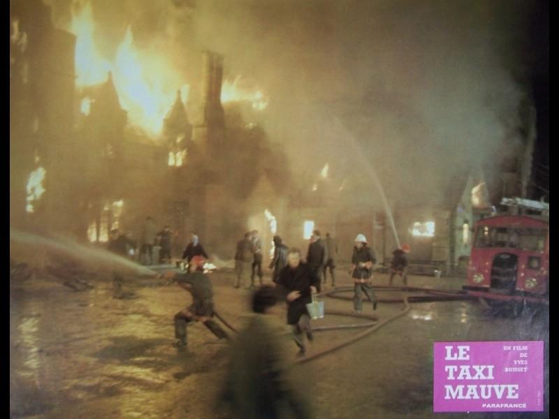 Photo du film TAXI MAUVE (LE) - LE TAXI MAUVE