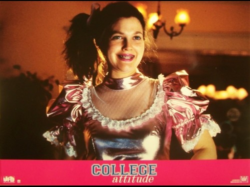 COLLEGE ATTITUDE - NEVER BEEN KISSED