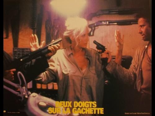 DEUX DOIGTS SUR LA GACHETTE - GUNMEN