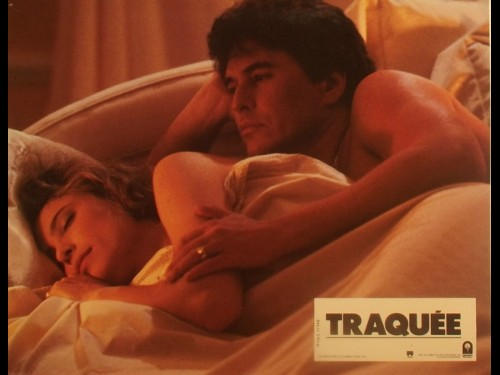 TRAQUÉE - SOMEONE TO WATCH OVER ME