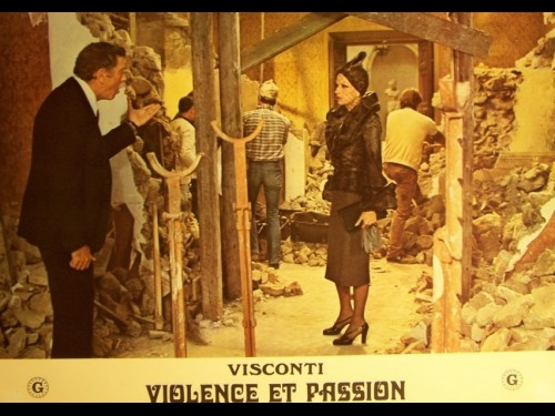 VIOLENCE ET PASSION - GRUPPO DI FAMIGLIA IN UN INTERNO