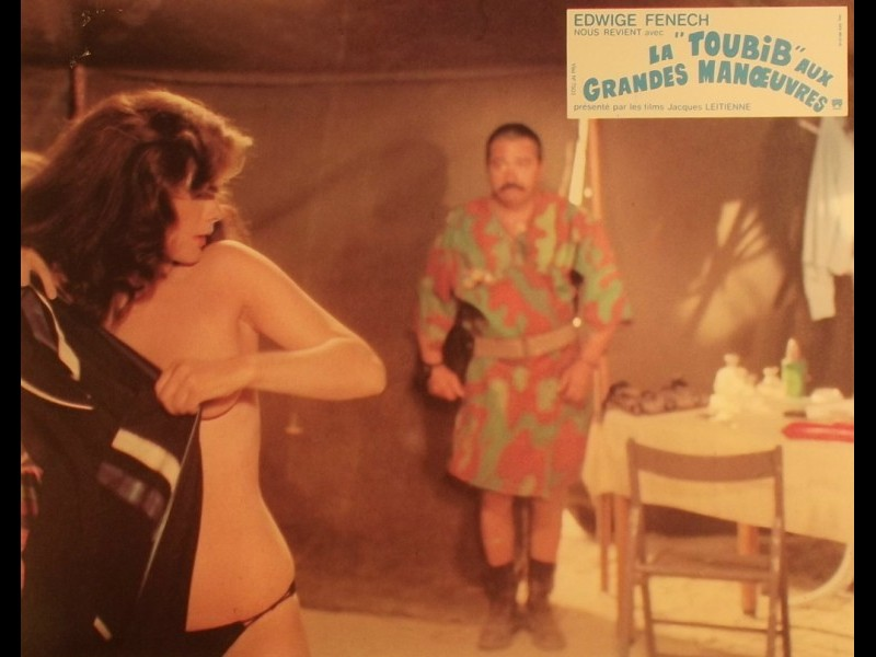 Photo du film TOUBIB AUX GRANDES MANœUVRES (LA) - A SOLDATESSA ALLA VISITA MILITARE