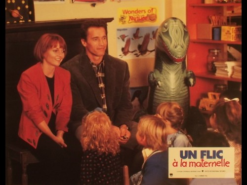 FLIC A LA MATERNELLE (UN) - KINDERGARTEN COP