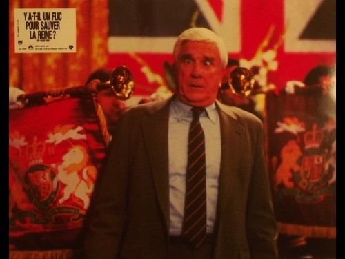 Y A T-IL UN FLIC POUR SAUVER LA REINE - THE NAKED GUN: FROM THE FILES OF POLICE SQUAD