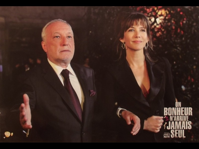 Photo du film BONHEUR N'ARRIVE JAMAIS SEUL (UN)